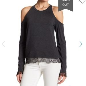 Splendid cold shoulder Gray  Top with lace